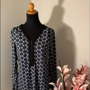🌺2/$15🌺Blouse blue and black sizeS